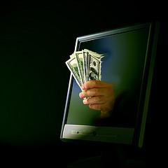 computer_hand_money
