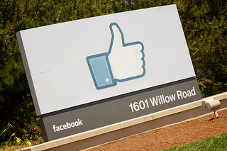 6 in 10 Facebook Users Talk About Products