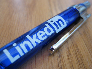 How to Turn a B2B LinkedIn Company Page into a Sales Tool